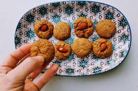 עוגיות טחינה דלות פחמימה ולנטינה לוריא